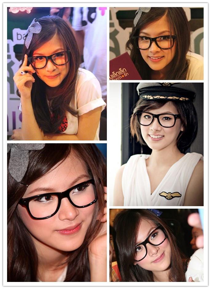 眼镜框卖萌的90后小清新气质的美女