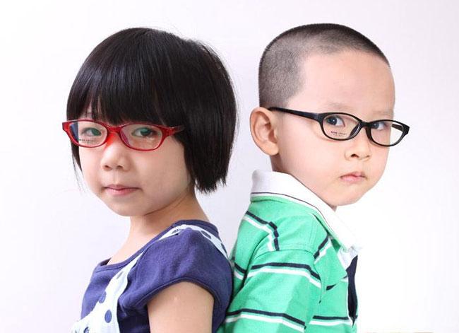 购买儿童眼镜框和镜片