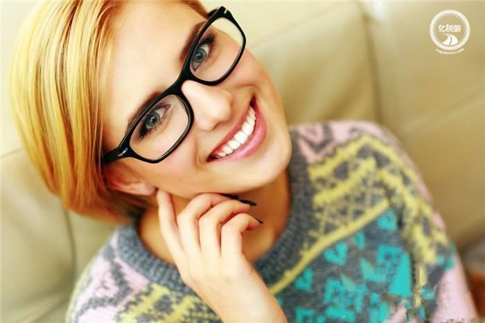 [专题]配眼镜遇见专业的眼镜网,就是生逢灿烂的日子
