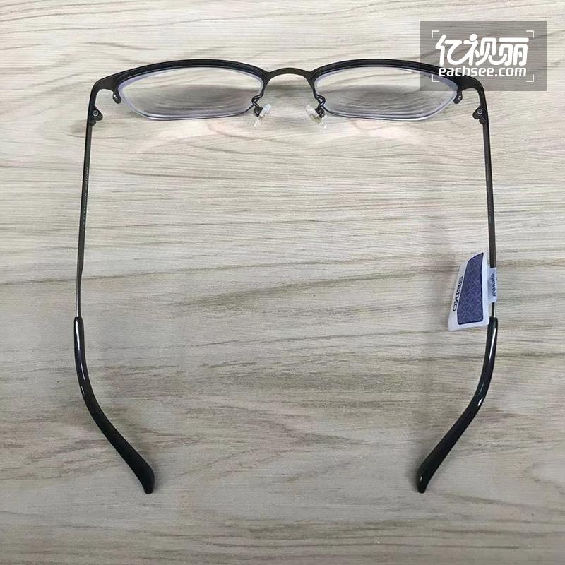 「专题」不高调的奢华,哑黑色的框架,精工HC1017 164眼镜的高端气质让人认可